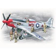 Mustang P-51 D+osoblje