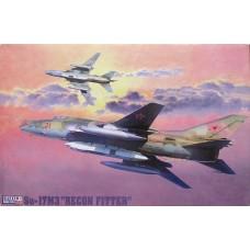 SU-17M3R Recon Fitter 1:72