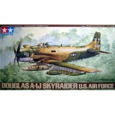 1/48 DOUGLAS A-1J SKYRAIDER